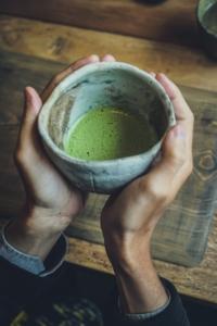 Thé vert matcha, vertus de cette poudre verte magique